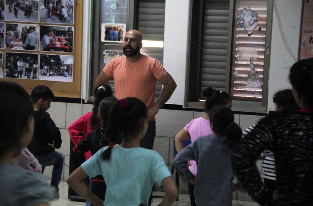 برنامج الفنون يواصل تدريبات الدبكة للصغار