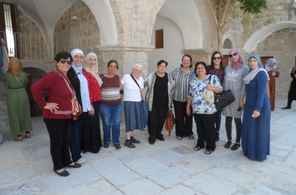 رحلة ترفيهية للنساء إلى مدينة أريحا