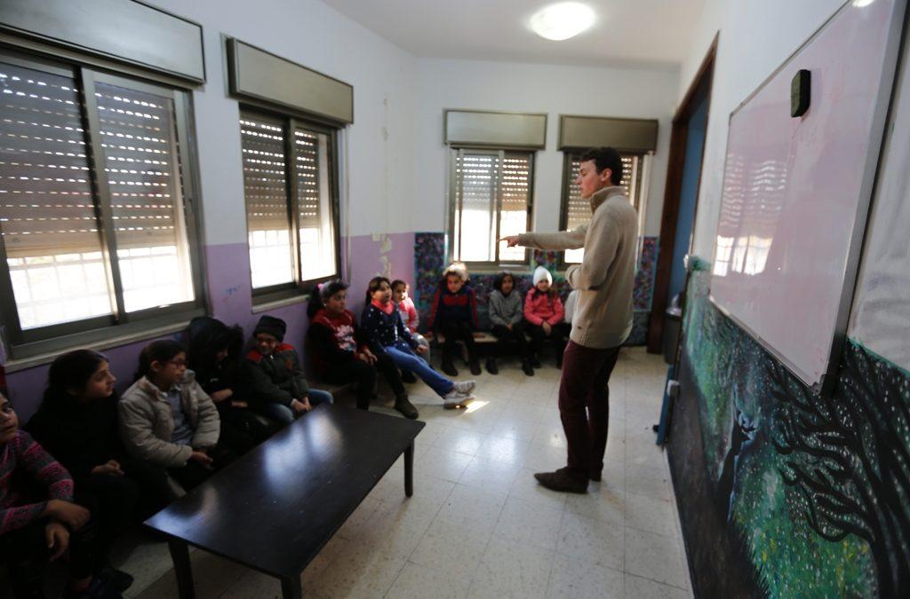 الرواد تطلق دورة أساسيات اللغة الفرنسية للأطفال