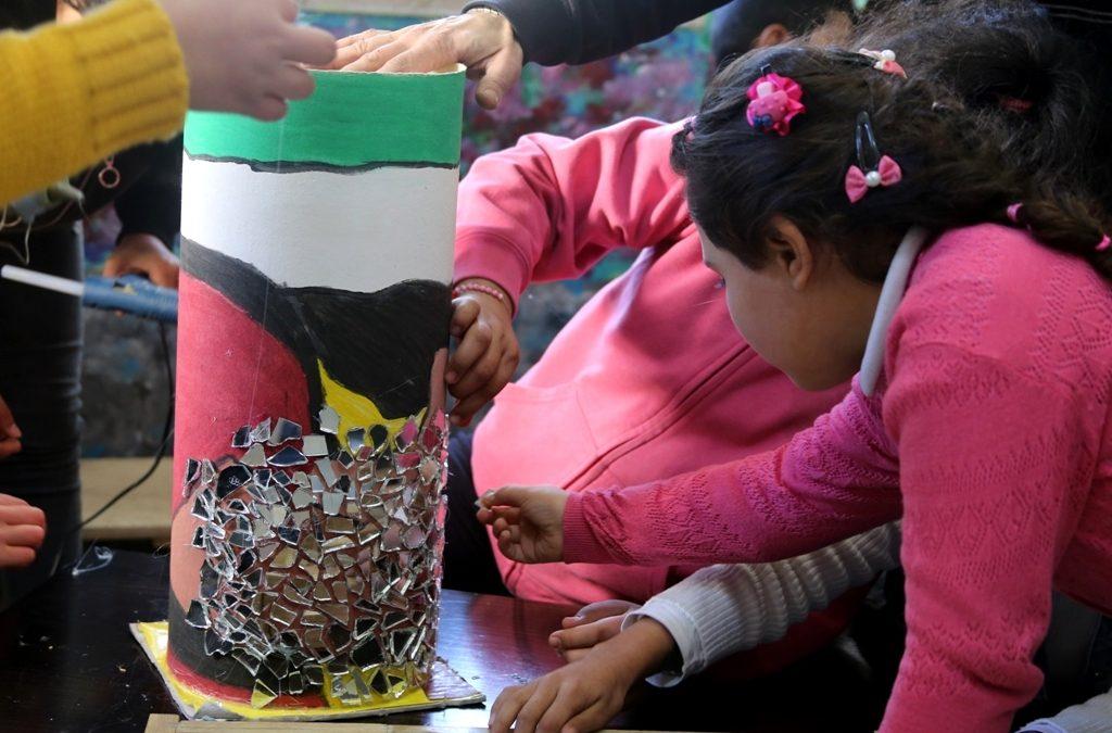 إطلاق ورشة صناعة التحف بالخزف والفسيفساء للاطفال
