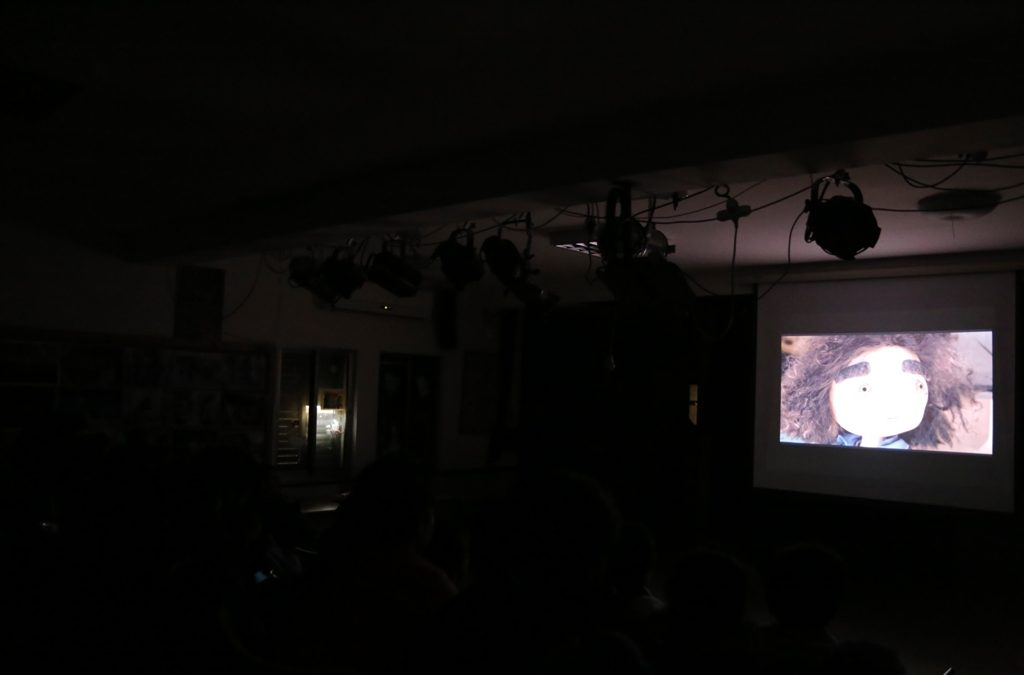 """الرواد تقدم عرضا لفيلم """"البرج """" في مخيم عايدة"""