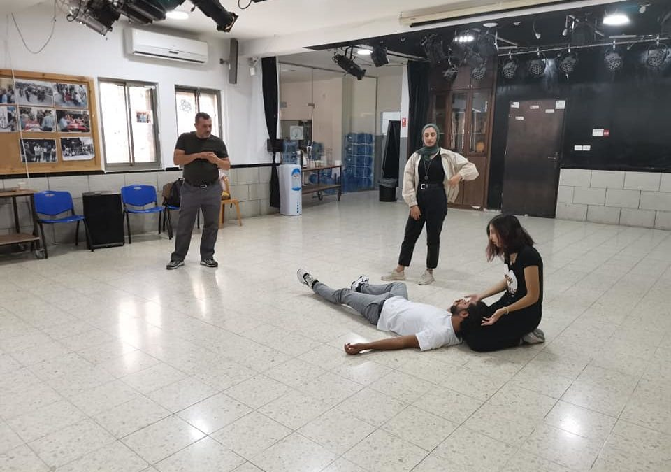 """الرواد تقدم الورشة التدريبية الثانية للعمل المسرحي """" مونودراما """""""