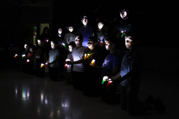 فرقة الرواد للدبكة الشعبية  تنتج أعمالاً فنية جديدة