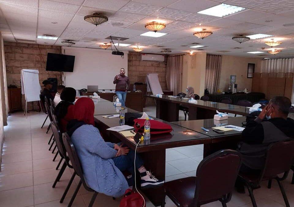 الرواد تستكمل ورشات التدريب ضمن برنامج الإستثمار في حقوق الإنسان في نابلس