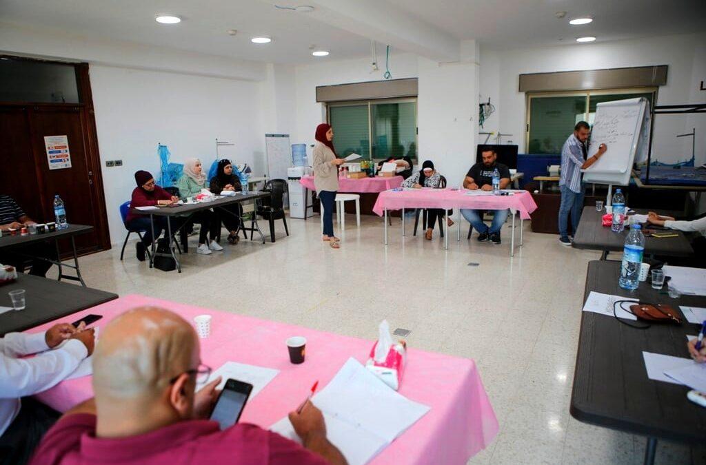 الرواد تنفذ ورشة تدريبية ضمن برنامج الإستثمار في حقوق الإنسان