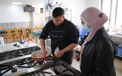 Alrowwad lance un cours pour enseigner les arts culinaires aux jeunes