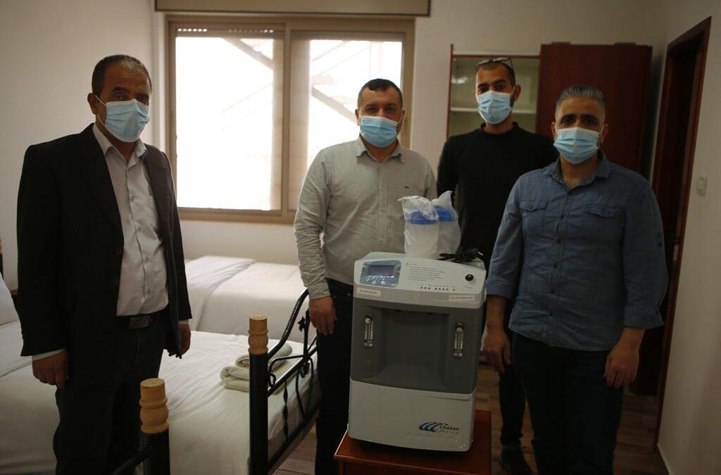 Alrowwad fournit des respirateurs aux patients atteints de coronavirus